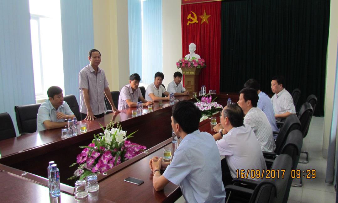 Lãnh đạo EEMC thăm hỏi đồng bào bị thiệt hại do lũ quét tại Mường La, Sơn La