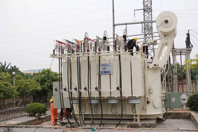 EEMC cung cấp thiết bị nâng công suất trạm 110kV Quế Võ