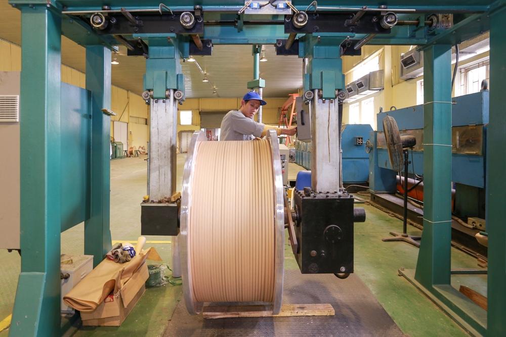Dây điện từ và sản phẩm đồng
